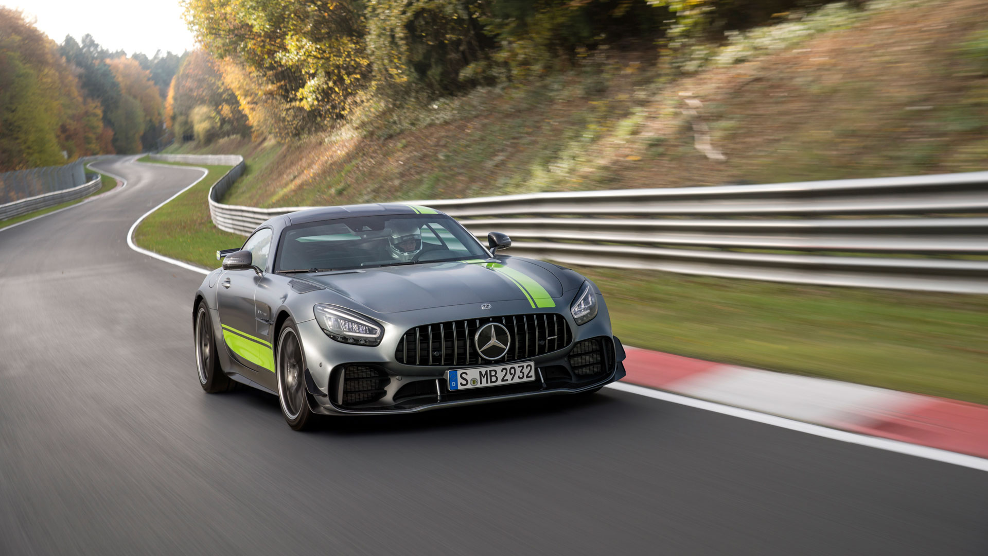 The New Mercedes Amg Gt And Amg Gt R Pro